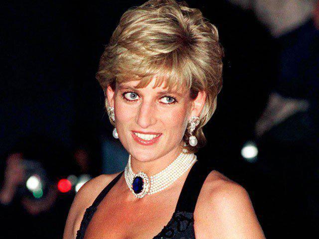 Tuổi thơ chứng kiến bố đánh mẹ, cuộc sống ngập nước mắt của Công nương Diana-3
