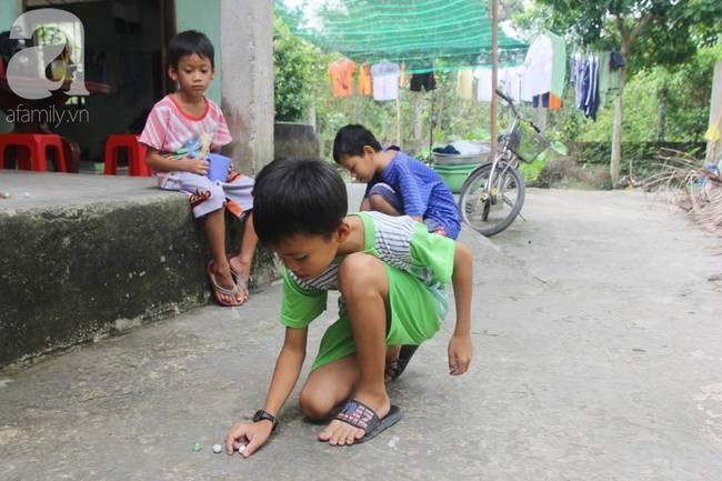 4 đứa trẻ mồ côi cha, ốm trơ xương vì đói ăn bên bà nội già yếu sau khi mẹ bỏ đi lấy chồng mới-12