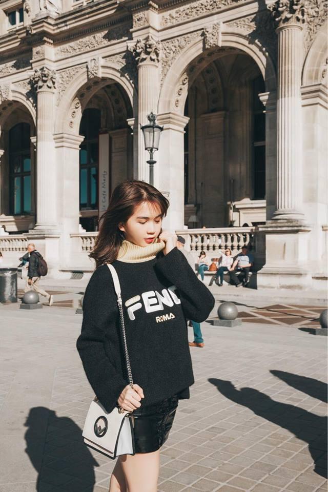 Sải bước trên đường phố Paris, Ngọc Trinh khoe street style chất lừ với hàng hiệu phủ người-14