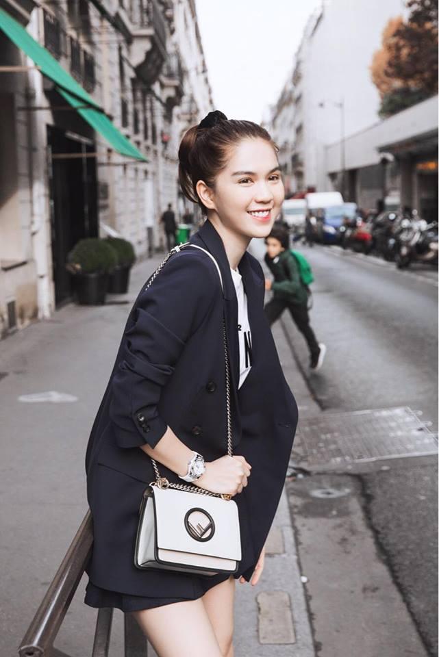Sải bước trên đường phố Paris, Ngọc Trinh khoe street style chất lừ với hàng hiệu phủ người-16
