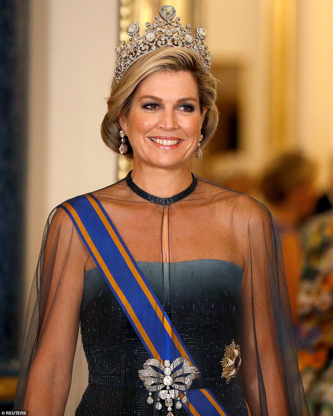 Bà Camilla lần đầu tái xuất bên chồng sau tin đồn ly hôn nhưng vẻ mặt của Thái tử Charles đã nói lên tất cả-3