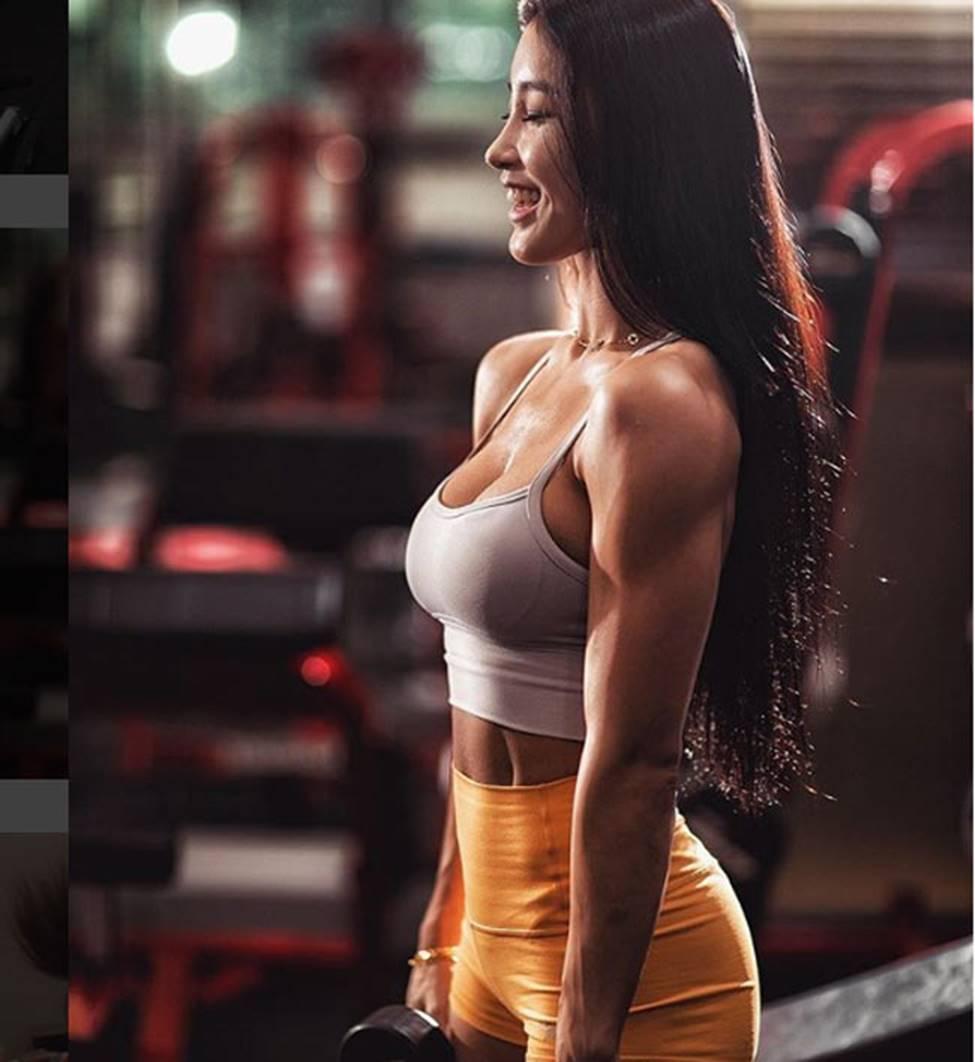 3 cô gái Hàn mặt xinh như mộng nhưng cơ bắp khiến đàn ông khiếp sợ-7