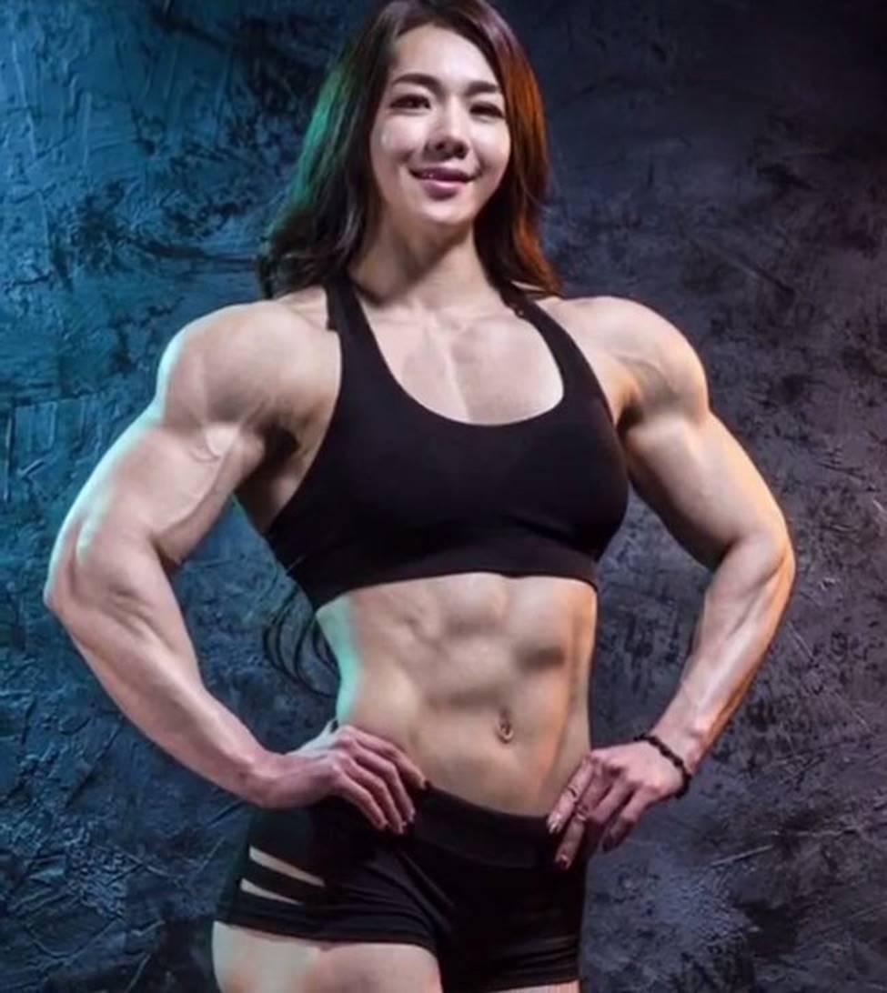 3 cô gái Hàn mặt xinh như mộng nhưng cơ bắp khiến đàn ông khiếp sợ-8