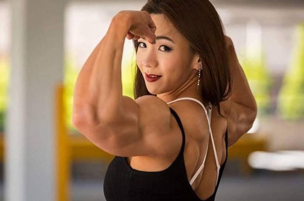 3 cô gái Hàn mặt xinh như mộng nhưng cơ bắp khiến đàn ông khiếp sợ-14