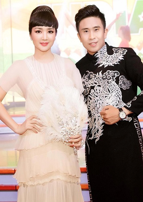 HH Giáng My đẹp tựa nữ thần đốn tim khán giả khi đi chấm thi Hoa hậu-4