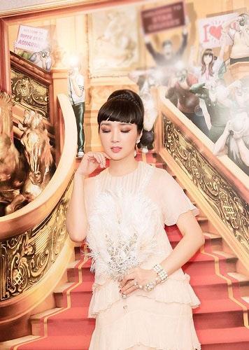HH Giáng My đẹp tựa nữ thần đốn tim khán giả khi đi chấm thi Hoa hậu-10
