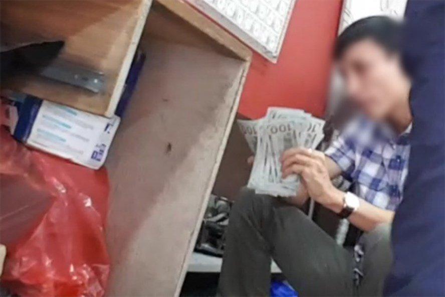 Chợ ngoại tệ chui lớn nhất Hà Nội vẫn tấp nập-1