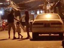 Lý do bất ngờ xe biển xanh chở phụ nữ, trẻ em bật đèn ưu tiên, bấm còi inh ỏi trên đường phố Sài Gòn