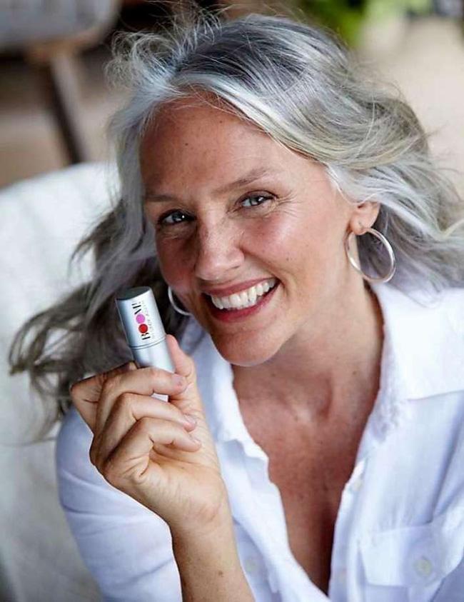 Cindy Joseph: Người phụ nữ không sợ già, ngoài 50 tuổi tìm thấy tình yêu và trở thành người mẫu nổi tiếng thế giới-10