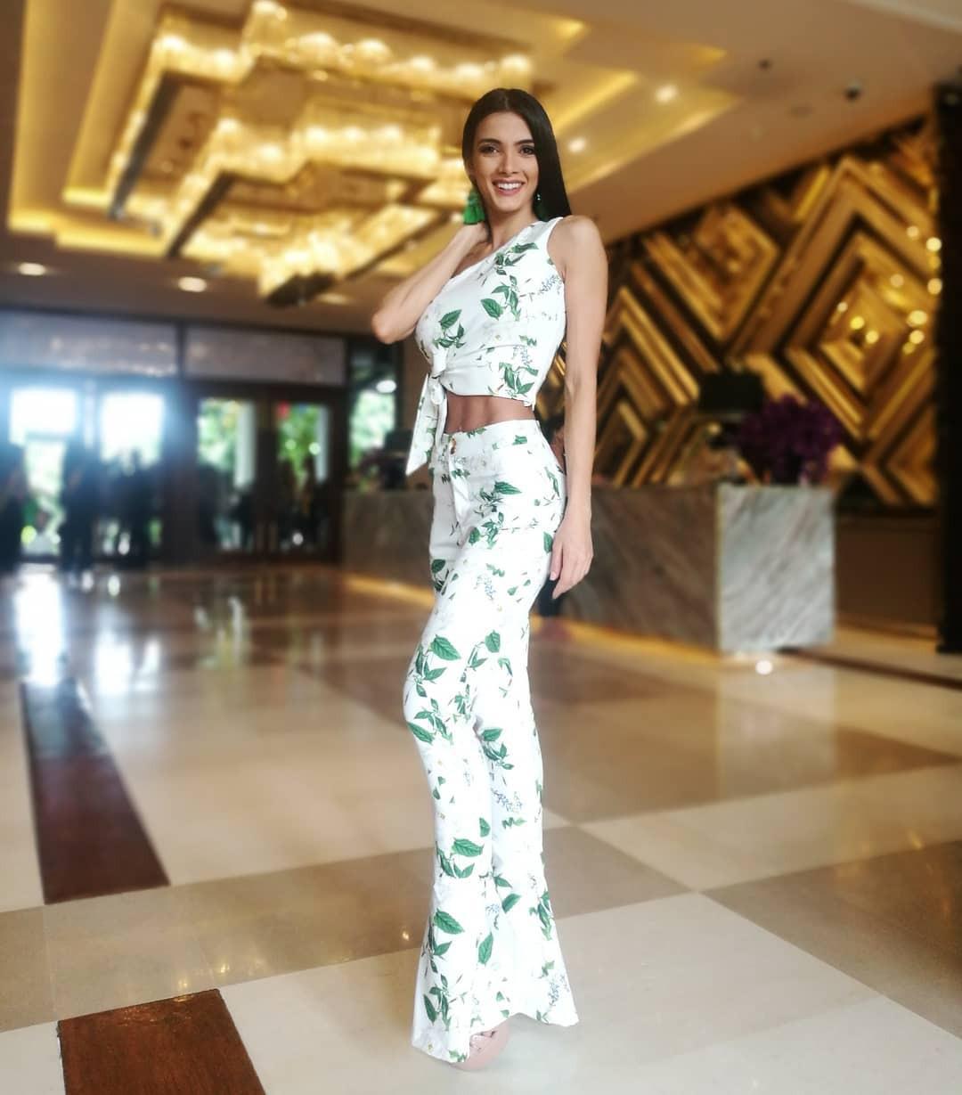 Tân Hoa hậu ngất xỉu: Đẹp như nữ thần Hy Lạp, nhưng bất ngờ hơn là body và profile không vừa của cô-15