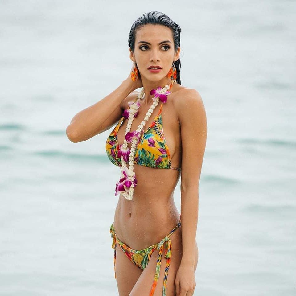Tân Hoa hậu ngất xỉu: Đẹp như nữ thần Hy Lạp, nhưng bất ngờ hơn là body và profile không vừa của cô-12