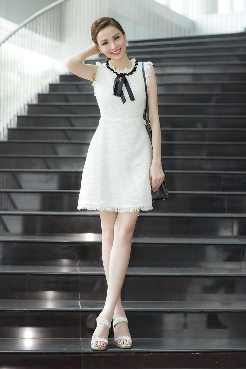 Xuất hiện lạ hoắc thế này, bạn có nhận ra đây là Hoa hậu nổi tiếng nào của showbiz Việt?-7