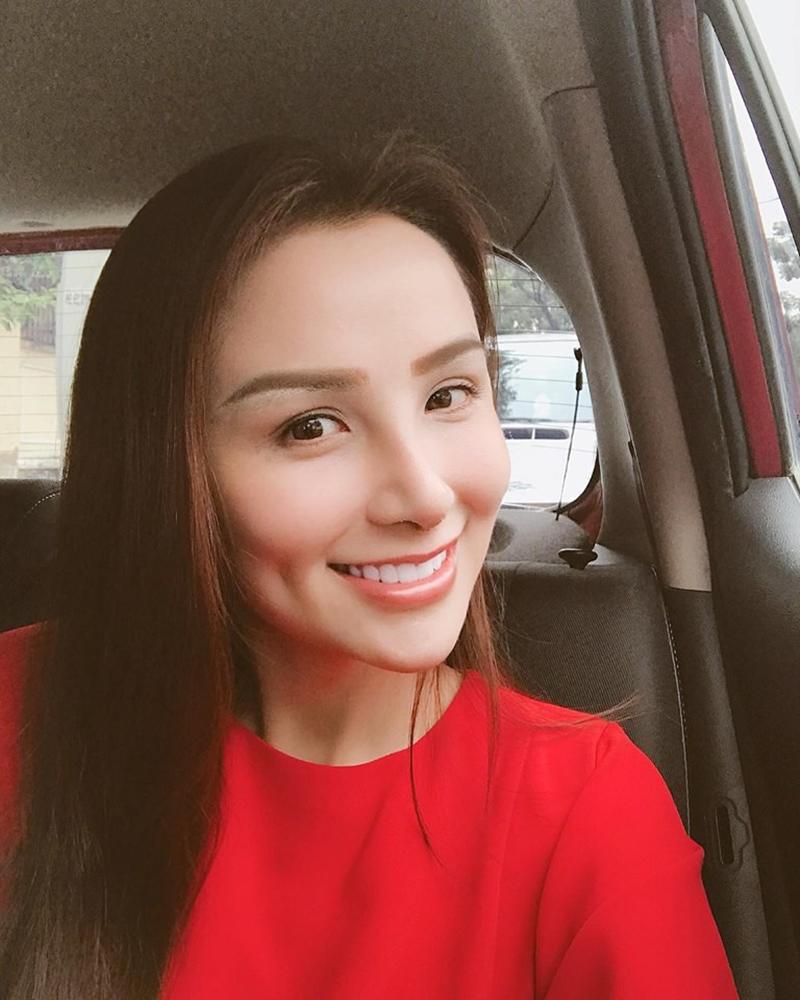 Xuất hiện lạ hoắc thế này, bạn có nhận ra đây là Hoa hậu nổi tiếng nào của showbiz Việt?-13
