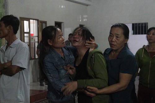 Vụ 4 người bị điện 35 kV giật tử vong: Xóm nghèo tang thương-1