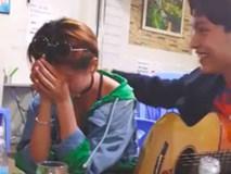 Thấy crush mới chia tay bạn trai, thanh niên liền hát tặng 1 bài và cái kết không ngờ