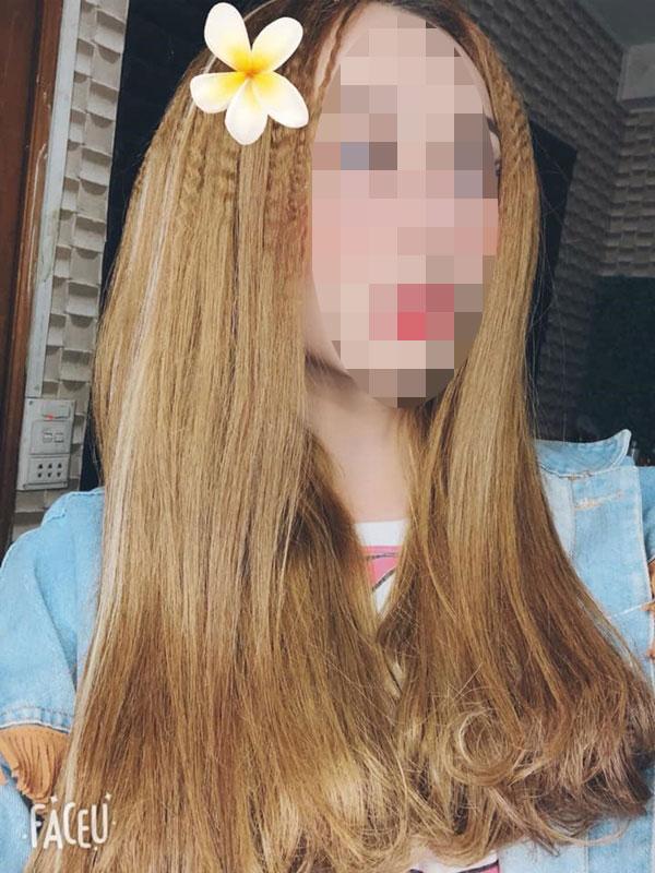 Danh tính gái xinh còn lại trong loạt ảnh tắm trần truồng ở Bình Định: Gây shock khi livestream cởi sạch vì bị chỉ trích-8