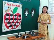 Các cô giáo viết đẹp hơn đánh máy ở Quảng Trị tiếp tục gây sốt với khả năng sáng tạo đồ dùng dạy học không giới hạn