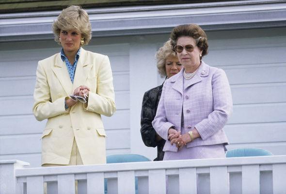 Vì hành động phá vỡ quy tắc này, Công nương Diana đã khiến mẹ chồng giận dữ và gửi thư yêu cầu phải ly hôn-2