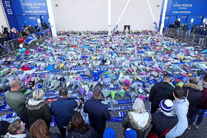 Chủ tịch Leicester City thiệt mạng sau tai nạn máy bay-2