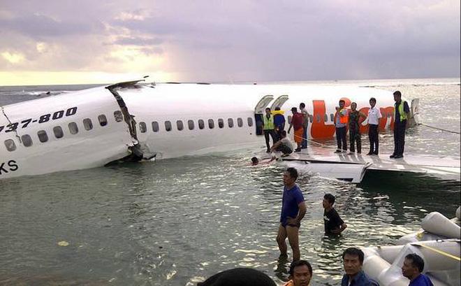 [Nóng] Indonesia: Máy bay Lion Air lao xuống biển chở 188 người, có cả trẻ sơ sinh-1
