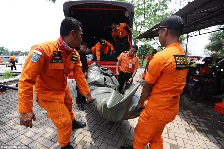 Vụ máy bay rơi ở Indonesia: 189 người trên chuyến bay không còn ai sống sót?-1
