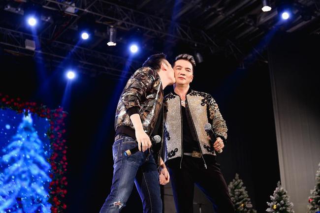 Gia đình quyền lực và sóng gió bậc nhất showbiz: Hoài Linh không nhìn mặt, Dương Triệu Vũ lại dính tin đồn yêu Mr. Đàm-8