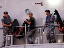 Đội cứu hộ Indonesia mang 21 túi đựng thi thể nạn nhân vụ máy bay Lion Air rơi về nơi nhận dạng
