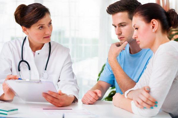 Bác sỹ sản phụ khoa sốc khi thấy đôi trẻ dẫn nhau đến để... vá trinh-1