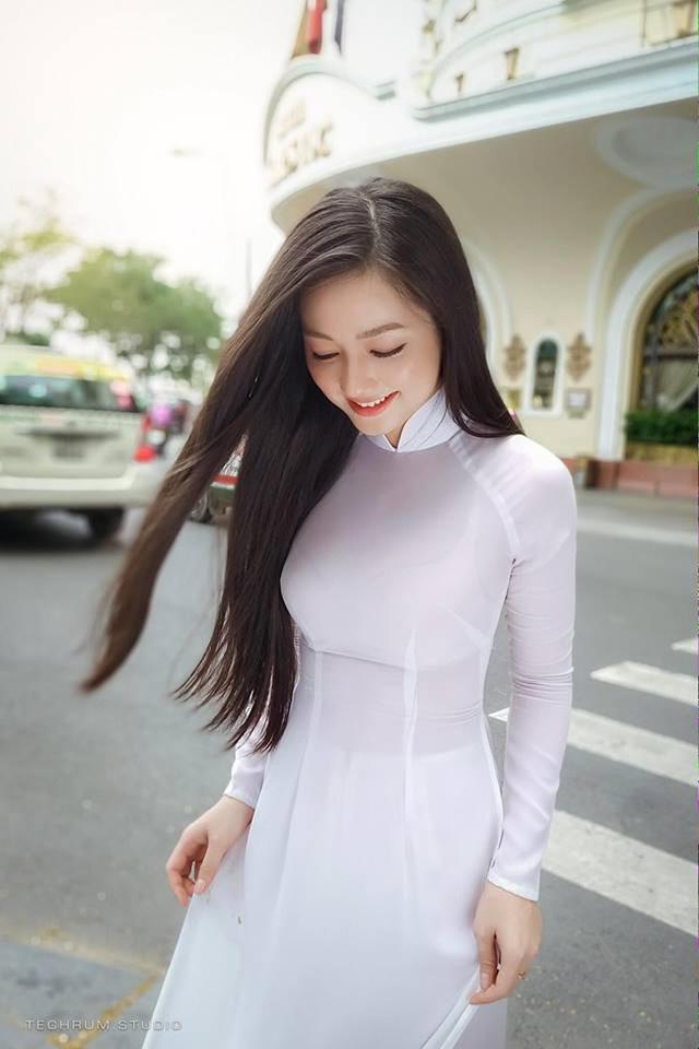 Nhan sắc nóng bỏng của cô gái chụp ảnh áo dài đẹp như Mai Phương Thúy-4
