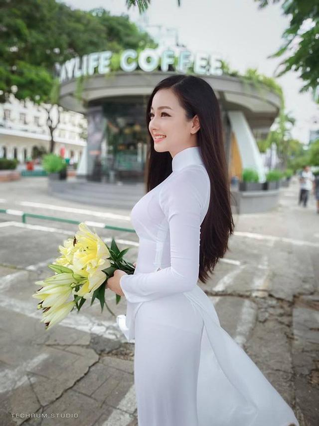 Nhan sắc nóng bỏng của cô gái chụp ảnh áo dài đẹp như Mai Phương Thúy-5