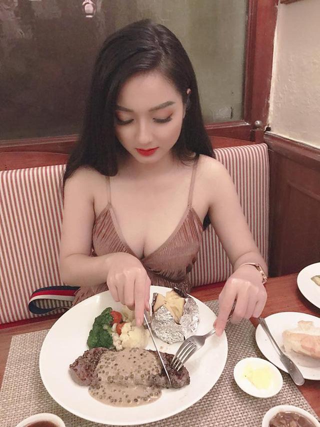 Nhan sắc nóng bỏng của cô gái chụp ảnh áo dài đẹp như Mai Phương Thúy-18