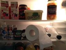 Bỏ 2 cuộn giấy vệ sinh vào tủ lạnh, bạn sẽ vô cùng bất ngờ khi thấy được kết quả