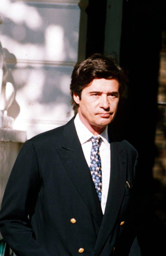 Người hâm mộ choáng váng trước tiết lộ gây sốc về Công nương Diana, từng lén đưa người tình vào trong cung điện-1