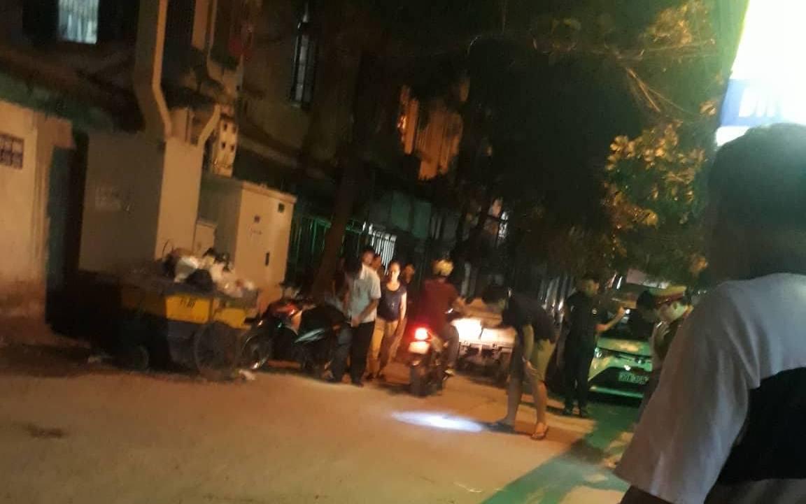 Tài xế taxi bị bắn trọng thương, lái xe chèn qua người ở Hà Nội-1