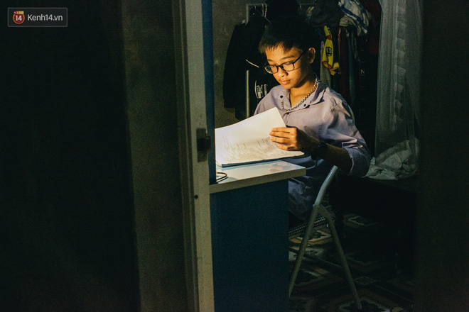 Cuộc sống của 2 đứa trẻ sau vụ cháy lớn ở Đê La Thành: Con chỉ biết pha sữa chứ không dám bế em, sợ em ngã-25