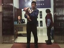 Thất vọng vì vợ đẻ con gái, người đàn ông Trung Quốc đem bán con khi mới 10 ngày tuổi