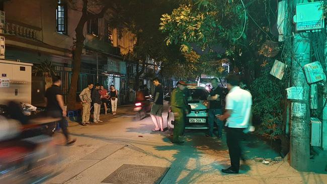 Người dân kể lại giây phút tài xế Mazda rút súng bắn rồi đánh và lái xe chèn qua nạn nhân-5