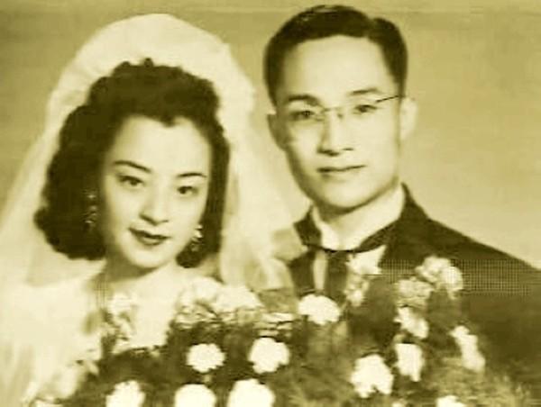 Nhà văn Kim Dung với nỗi đau vợ đầu ngoại tình, con trai tự tử-2