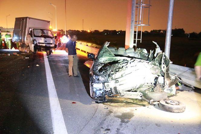 Tai nạn thảm khốc ở cao tốc Quảng Ninh - Hải Phòng, nhiều người chết-1
