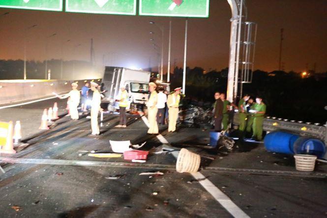 Tai nạn thảm khốc ở cao tốc Quảng Ninh - Hải Phòng, nhiều người chết-3