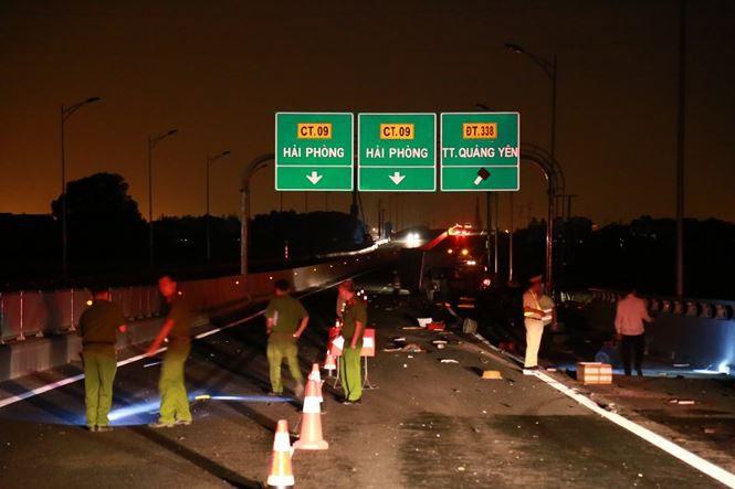Tai nạn thảm khốc ở cao tốc Quảng Ninh - Hải Phòng, nhiều người chết-5