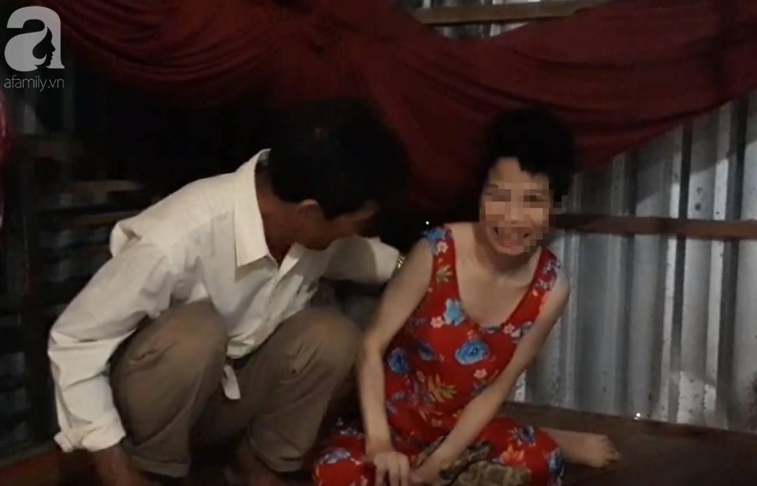 Người cha đau đớn kể con gái bại não nghi bị hàng xóm xâm hại đến mang thai 2 lần-3