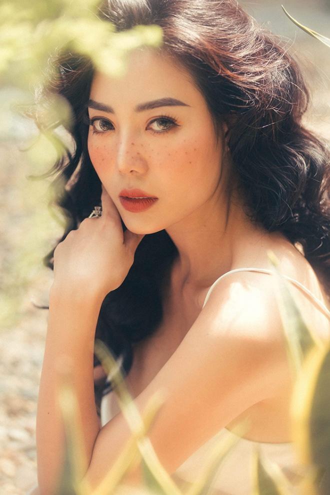 Diễn viên Thanh Hương quyến rũ với hot trend chụp ảnh mặt tàn nhang-2