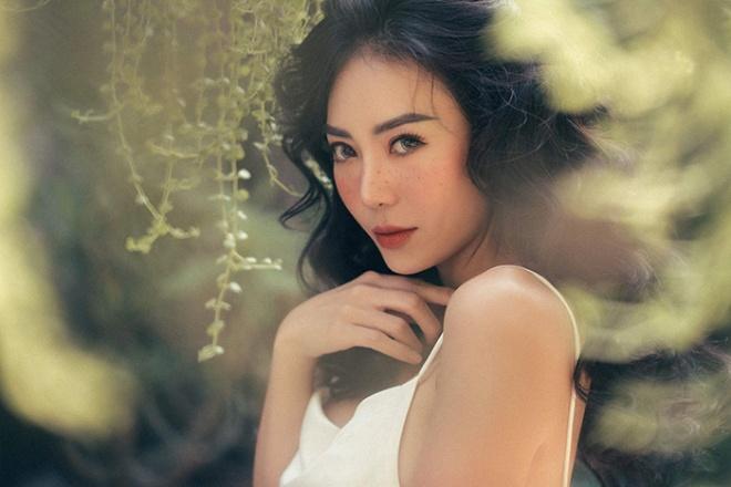 Diễn viên Thanh Hương quyến rũ với hot trend chụp ảnh mặt tàn nhang-5