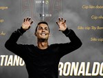 Mặc đồ lót đắm mình trong biển bong bóng, Ronaldo khiến các fan nhìn thôi cũng thấy ngạt thở-8