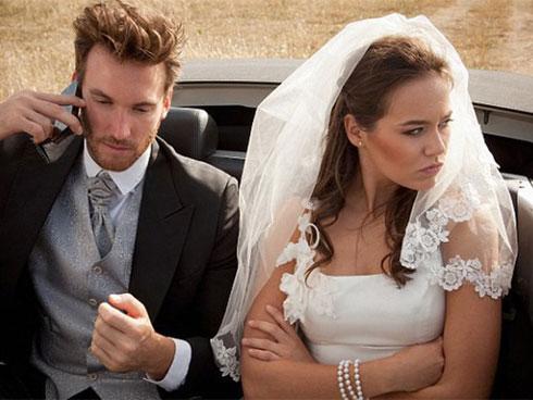Hành động trong đám cưới của nhà trai khiến họ hàng cô dâu xôn xao-1