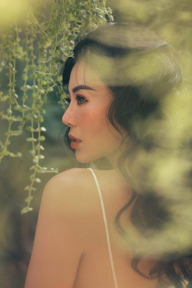 Khác xa hình ảnh gái ngành hết thời trong Quỳnh búp bê, Lan cave tung bộ ảnh xinh đẹp, gợi cảm đến từng centimet-5