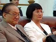 Nhìn hai người vợ của nhà văn Kim Dung đi, thất bại của 'cơm' và sự lên ngôi của 'phở' là bài học đắt giá cho chị em đấy!