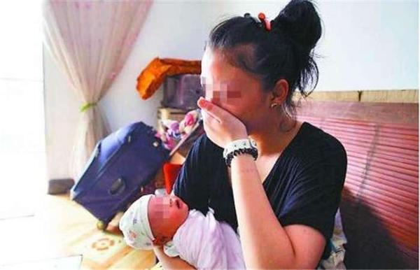 Từng phá thai 6 lần, đến lần thứ 7 mẹ trẻ sinh con nhưng gia đình không ai dám bế-3