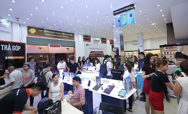 iPhone đắt nhất từ trước đến nay của Apple lên kệ thị trường Việt-1